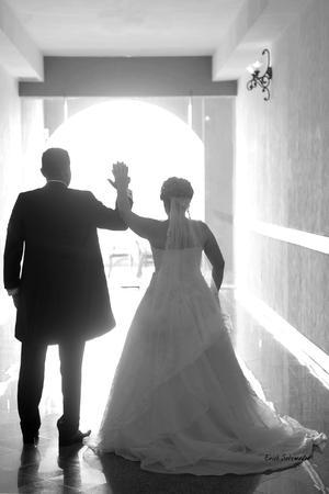 Felices el día de su boda fueron captados Fernanda Evelina y Juan Eduardo.- ɉrick Sotomayor Fotografía.