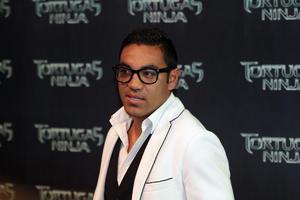 El futbolista Marco Fabián también acudió al estreno de Tortugas Ninja.