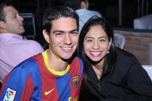 06082014 José Ángel y Daniela.