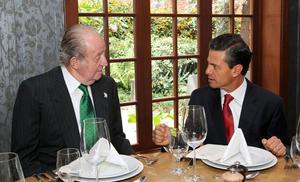 Peña Nieto aprovechó su estancia en Colombia y la coincidencia para encontrarse con el rey honorífico Juan Carlos de Borbón.