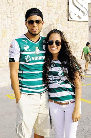 10082014 Héctor y Karla.