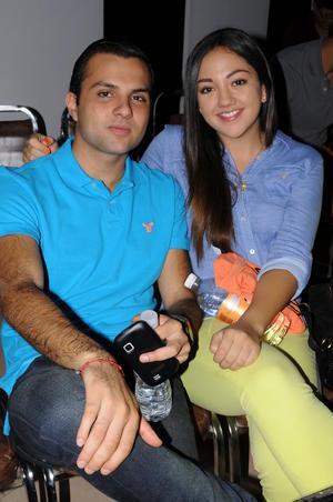 11082014 Carlos y Natalia.