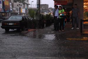 Lluvias torrenciales inundaron Torreón.