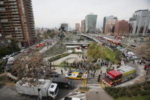Una explosión ocurrida la tarde del lunes encendió las alarmas en Santiago, en Chile.