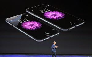 El consejero delegado de Apple, Tim Cook, presentó el iPhone 6 y el iPhone 6 Plus así como su primer reloj inteligente en un evento en el Flint Center de Cupertino (California, EU), el mismo lugar donde la empresa dio a conocer el primer ordenador Mac en 1984.