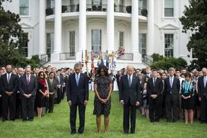 El presidente Barack Obama guardó hoy un momento de silencio en recuerdo de las víctimas del 11 de septiembre de 2001.