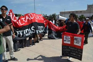 También aprovecharon para mostrar su apoyo al movimiento surgido estos días en el Instituto Politécnico Nacional.