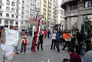 Madrid reunió a un grupo robusto de activistas que enviaron mensajes de apoyo a Guerrero.