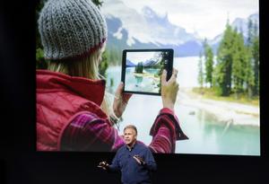 """El ejecutivo aseguró que la satisfacción de los clientes con sus tabletas iPad es del 100 %, lo que atribuyó a su """"simplicidad y capacidad""""."""