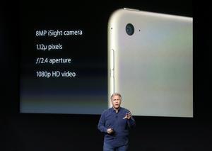 Esta nueva tableta viene equipada con una cámara de 8 megapixeles y una batería de 10 horas de duración.