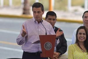 El presidente Enrique Peña Nieto inauguró el Libramiento Norte de la Laguna que agilizará la comunicación entre los estados de Chihuahua, Durango, Coahuila y Nuevo León.