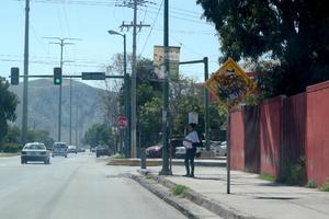 Vandalizan señalética. En el bulevar José Rebollo Acosta de Gómez Palacio, hay una señalética en malas condiciones, no se distingue.