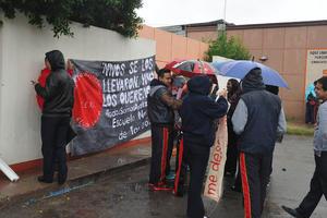 En la Comarca Lagunera, más de 2,000 estudiantes de varias escuelas e instituciones de educación superior se unieron a las protestas que incluyeron paros en tres institutos.