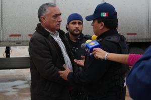 Autoridades arribaron al lugar y conversaron con manifestantes.