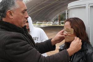 Silvia además cubrió sus ojos y boca con cinta canela.