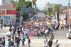 La protesta se une a aquellas que ya se han realizado en los municipios que conforman La Laguna y que han exigido soluciones en el caso Ayotzinapa.