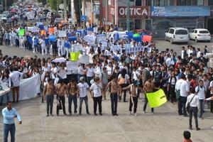 Todos los alumnos tenían un objetivo en común: pedir justicia para los 43 normalistas desaparecidos de Ayotzinapa.