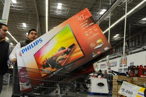 """A nivel nacional y según un estudio de Scotiabank, se prevé que un 69 por ciento de los mexicanos adquiera algún producto en el llamado """"fin de semana más barato del año""""."""