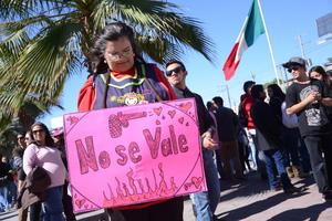 A la convocatoria lanzada respondieron estudiantes pero también trabajadores, organismos civiles y madres de familia.