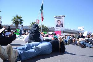 El caso de los desaparecidos a nivel nacional, estatal y local, no pasó desapercibido por los manifestantes.