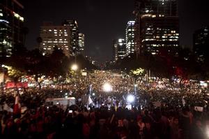Decenas de miles inundaron de nuevo las calles del país en completa paz para exigir justicia en el caso de los 43 desaparecidos de Ayotzinapa y la renuncia de Enrique Peña Nieto.