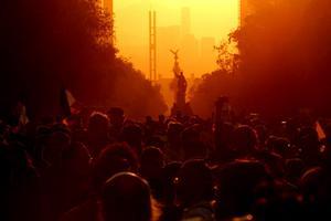 Decenas de miles inundaron de nuevo las calles del país para exigir justicia en el caso de los 43 desaparecidos de Ayotzinapa y la renuncia de Enrique Peña Nieto.
