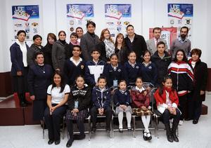 02122014 Ganadores de las diferentes categorías con sus maestros.