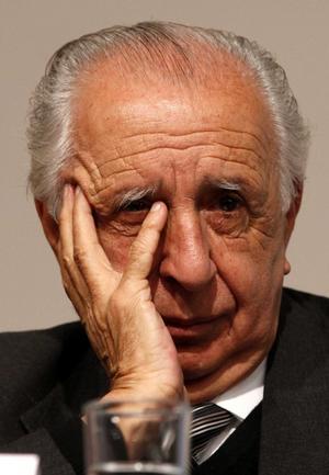 El trabajo periodista, como guionista y escritor de Vicente Leñero, quien murió a los 81 años de edad el 3 de diciembre de 2014, hicieron de él un maestro de las letras.