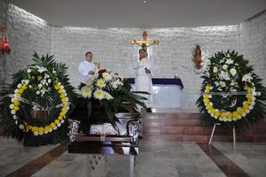 El cuerpo del sacerdote Rodríguez Tenorio fue velado en el  Santuario del Cristo de las Noas.