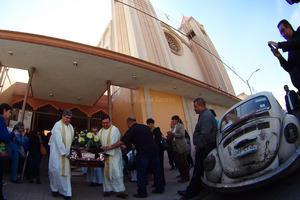 Desde que finalizó la Eucaristía salió el cortejo fúnebre con los restos mortales de Rodríguez Tenorio hacia el Santuario del Cristo de las Noas para ser velados.