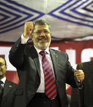8 de enero | Egipto. En plena crisis en el país, es aplazado el juicio contra el exdirigente Mohammed Mursi.