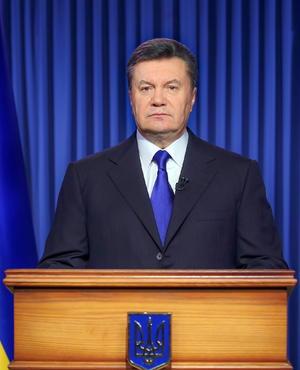 22 de febrero | Ucrania. Victor Yanukovich, quien fuera presidente del país, abandona el sitio y el Parlamento lo destituye.