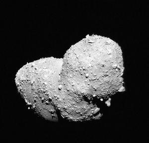6 de septiembre | Asteroides. La NASA confirma haber descubierto una gigantesca colisión de asteroides que podría originar un nuevo planeta parecido a la Tierra.
