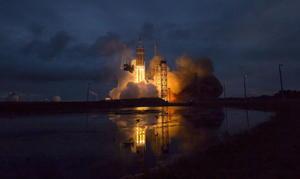 5 de diciembre | Orión. NASA lanza primera cápsula Orión, vehículo que permitirá que Estados Unidos regrese a la exploración del espacio con naves tripuladas.