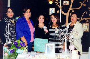 07122014 Las organizadoras de esta bonita celebración fueron Luz Elena Rodríguez de Ayabar, Ana Iveth Ayabar de Santoyo, Karla Ayabar de Frayre y Cynthia Ayabar.
