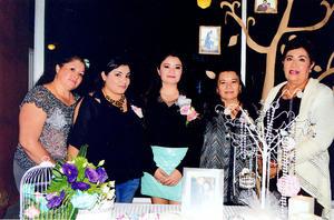 07122014 Felices se encuentran por el próximo enlace matrimonial de la Srita. Mayra, su mamá, Martina Montesinos; su hermana, Karina, y sus tías, Martha Nevárez y Luz Esthela Rodríguez.