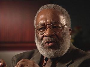19 de mayo | Vincent Hardig. El historiador afroamericano falleció dejando como legado sus estudios en torno a la religión.
