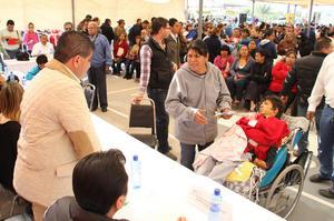 """4 de marzo   Riquelme. Debido a la gran cantidad de trabajo que hay en Torreón sobre todo en materia de rezago de servicios públicos, el alcalde Miguel Riquelme anunció otro período de """"Cien Días''"""
