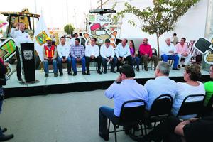 29 de octubre   Obras. Inician trabajos de rehabilitación de la Antigua Carretera a San Pedro, del puente El Campesino al ejido Ana.