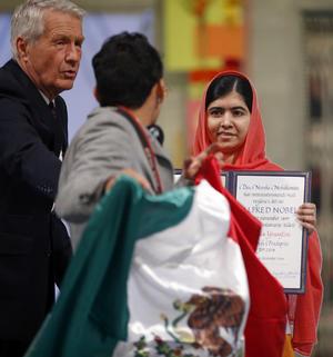 Malala escuchó al joven que le pedía algo en el nombre del país.