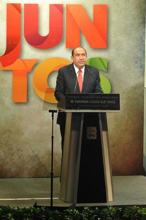 Como el cuarto punto dijo que se unirán los recursos del estado para invertir más de mil 500 mdp por Torreón, y el último compromiso fue sobre la creación de 100 preparatorias nuevas en el estado, las que Torreón necesite, serán autorizadas.