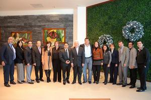 13122014 RECONOCEN SU TRAYECTORIA.  Jesús Sotomayor  recibió merecido reconocimiento.