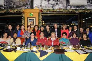 11122014 ALEGRE CELEBRACIóN.  Exbanqueras se reunieron para festejar su amistad.