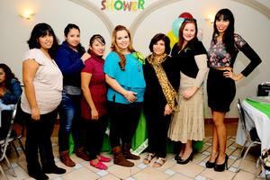 15122014 FIESTA DE CANASTILLA.  Brianda Chávez Proa acompañada de Alejandra, Selene, Zaida, Blanca, Alma y Celeste en el baby shower que le organizaron hace unos días.