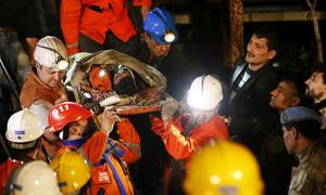 13 de mayo | Desastre minero de Soma. Una explosión ocasionó un incendio de varios días en el interior de una mina de carbón en Turquía. Fallecieron 301 trabajadores en el accidente.
