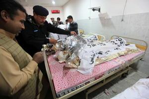 El ataque es uno de los peores de los últimos años en el país asiático, que vivió a principios de noviembre un atentado que causó 57 muertos y 112 heridos en el puesto fronterizo de Pakistán con la India de Wagah.