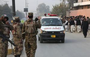 Además de los fallecidos, autoridades reportaron al menos 131 heridos.