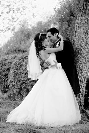 Lic. Luisa Fernanda Almanza Valadez e Ing. Mario Alberto García Castorena se encuentran muy felices por su enlace matrimonial.