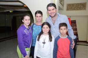 19122014 María, Maica, Omar, Isabella y Geros.
