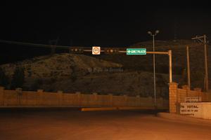 Las lámparas de la empresa Peñoles son las únicas que brindan iluminación en el bulevar Laguna.